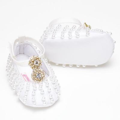 Imagem 3 do produto Sapatilha para bebe em cetim pérolas Branca - Roana