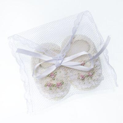 Imagem 4 do produto Sapatinho em tricot Renda Pérolas & Mini Flores Marfim - Roana