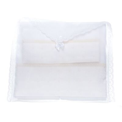 Imagem 3 do produto Kit Amamentação: 1 paninho de ombro + 1 paninho de boca para bebe em fralda Matelassê & Pérolas Marfim - Roana