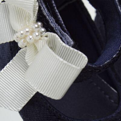 Imagem 4 do produto Sapatilha para bebe em veludo Pérolas & Laço Marinho - Roana - 20032014008 Sapatinha Luxo Perólas Marinho-RN
