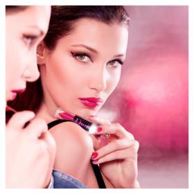 Batom Líquido Dior - Addict Lacquer Plump - 677 Disco Dior