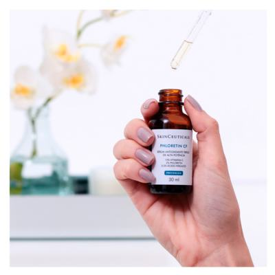 Imagem 3 do produto SkinCeuticals Phloretin CF SkinCeuticals - Rejuvenescedor Facial - 30ml