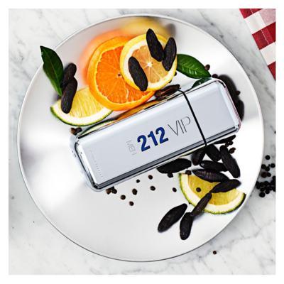 Imagem 3 do produto Carolina Herrera 212 VIP Men Kit - Perfume EDT + Gel de Banho - Kit