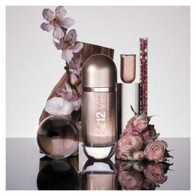 Imagem 9 do produto 212 VIP Rosé Carolina Herrera - Perfume Feminino - Eau de Parfum - 80ml